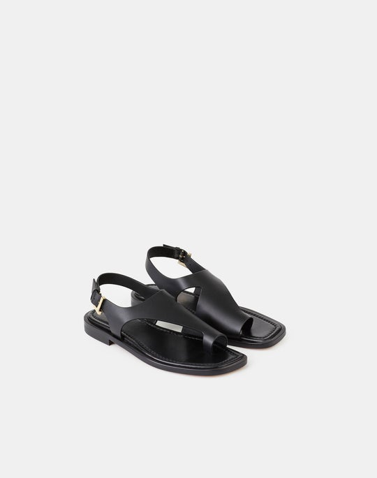 Celia Icon Flat Sandal In Leather