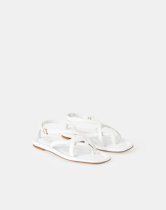 Camille Icon Flat Sandal In Leather