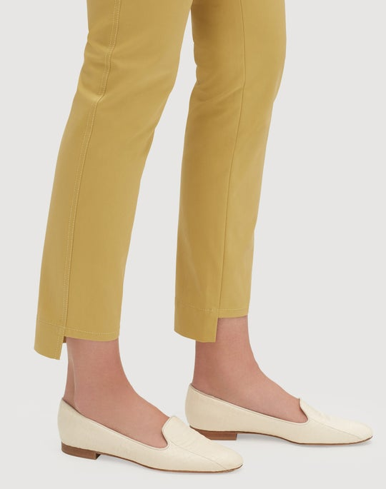 Fundamental Bi-Stretch Step Hem Manhattan Slim Pant