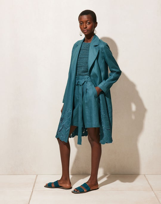Liliana Trench and Degraw Short