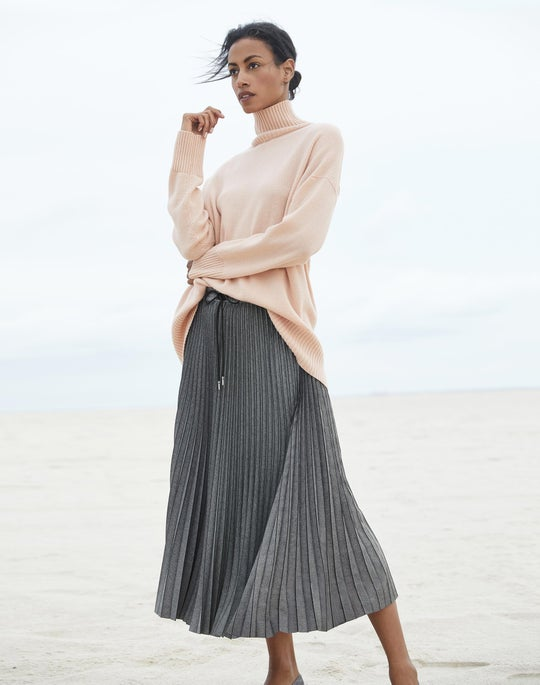 Cashmere Relaxed Sweater and Gwenda Skirt