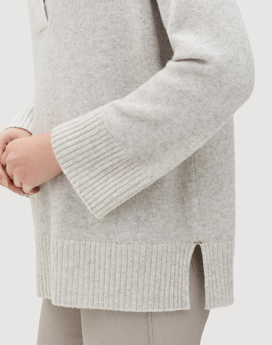 Plus-Size Cashmere Vanisé Relaxed V-Neck Sweater