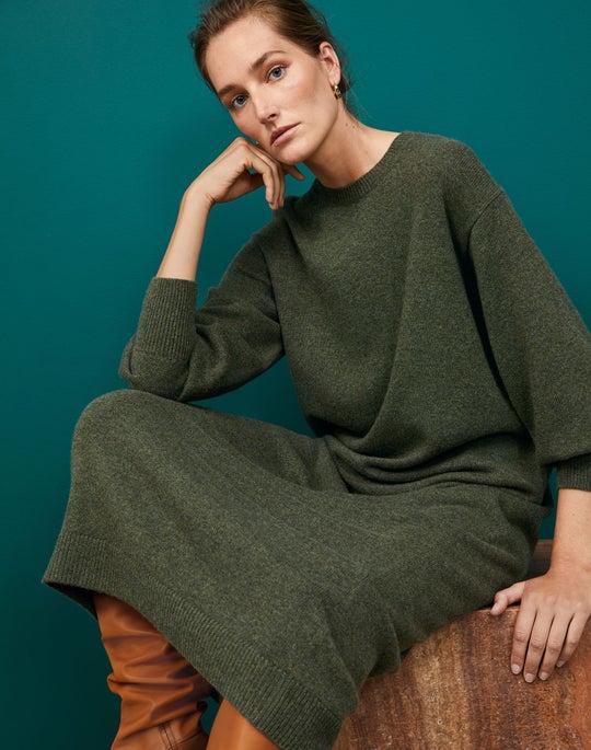 Blouson Sleeve Dress Outfit